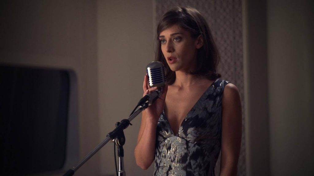 Lizzy Caplan Instagram, Imdb, Net Worth, Wiki, Twitter, Photos, Facebook, Youtube, Biography, Height, Age, Masters Of Sex, Hot Images (47)