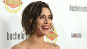 Lizzy Caplan Instagram, Imdb, Net Worth, Wiki, Twitter, Photos, Facebook, Youtube, Biography, Height, Age, Masters Of Sex, Hot Images (55)