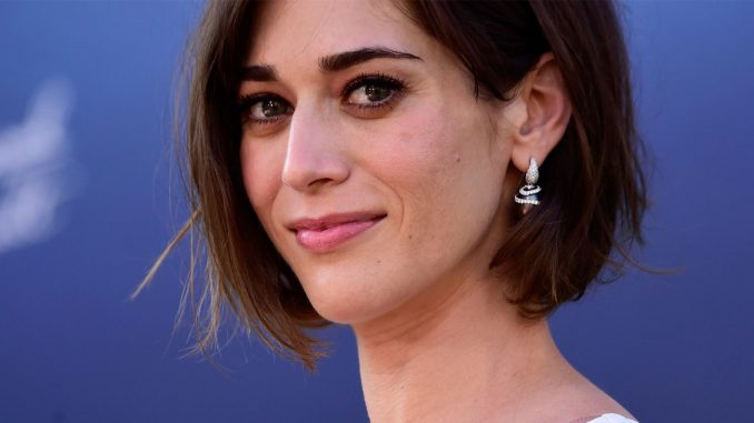 Lizzy Caplan Instagram, Imdb, Net Worth, Wiki, Twitter, Photos, Facebook, Youtube, Biography, Height, Age, Masters Of Sex, Hot Images (57)