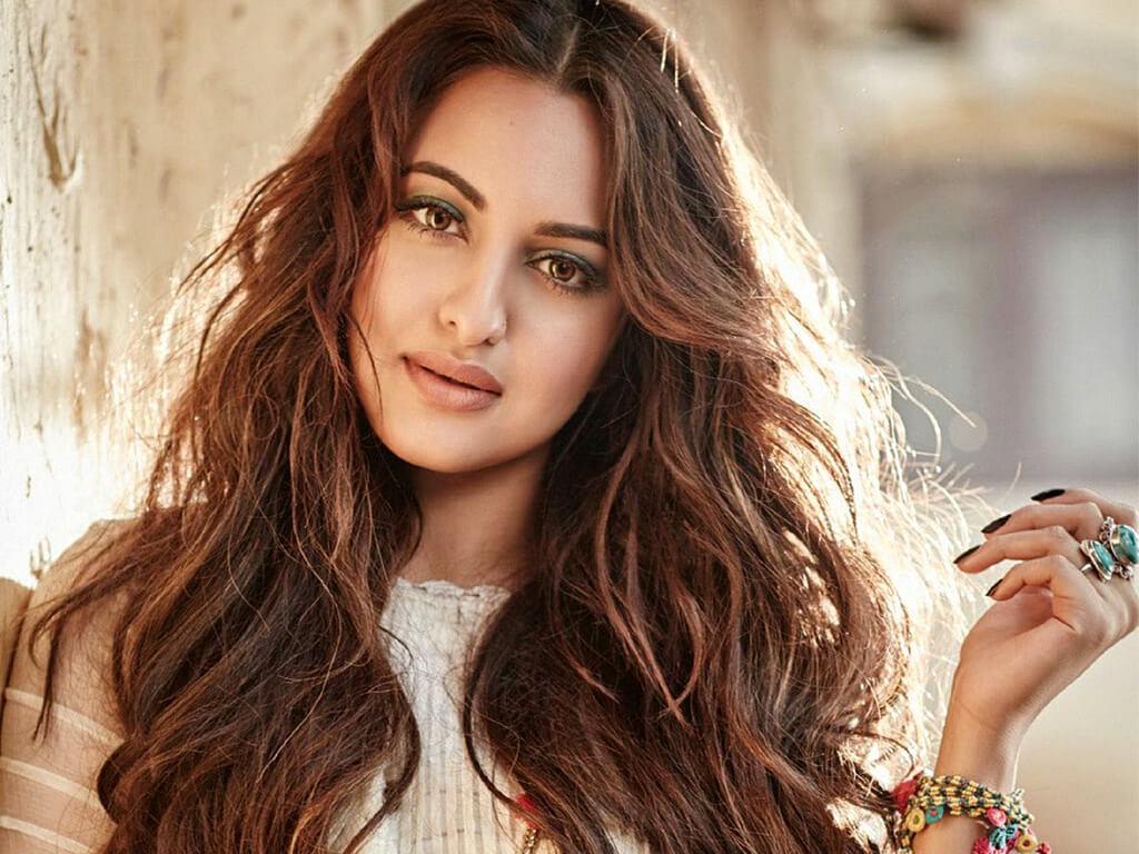 Sonakshi Sinha age, instagram, images, height, birthday, photo picture, wiki (9)