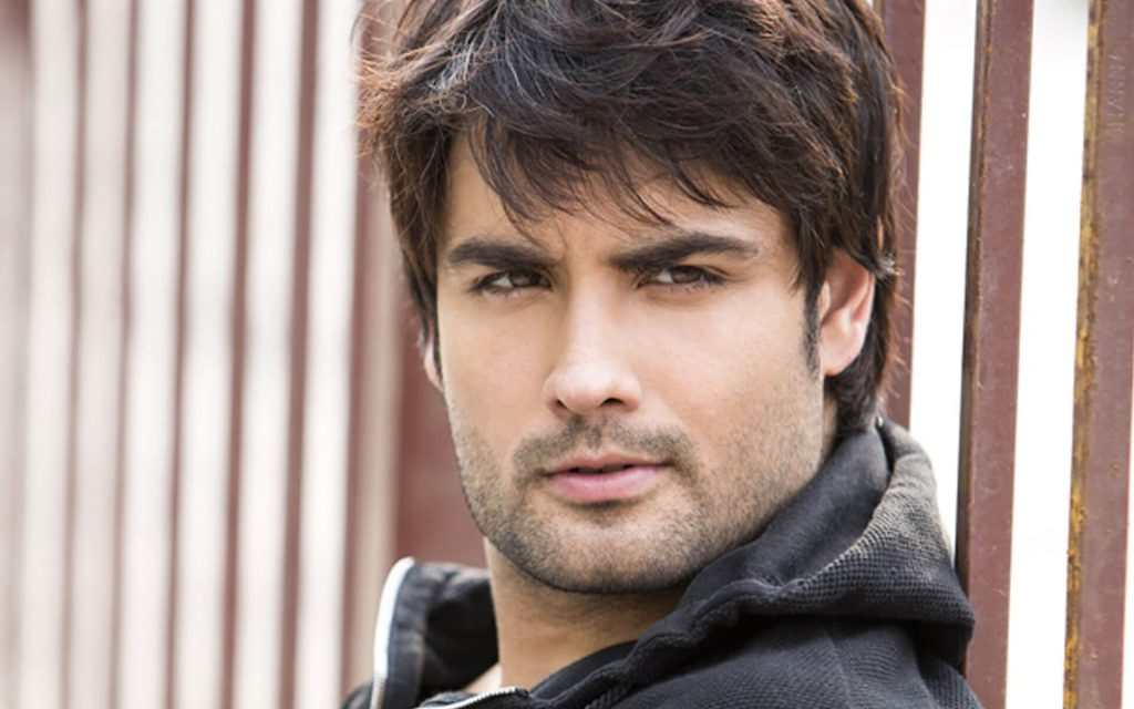 Vivian Dsena Instagram, Twitter, Facebook, Age, Wife, Images, Family, Biography, Height, Wiki (3)