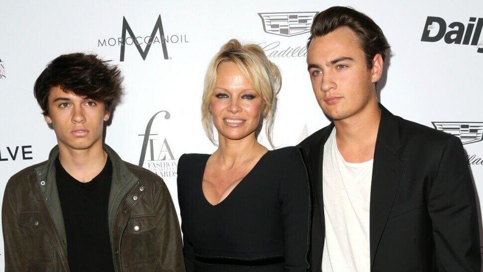 Pamela Anderson Age, Instagram, Net Worth, Kids, Wiki, Husband, Twitter, Height, Images(photos), Imdb, Youtube, Facebook, Biography, Website