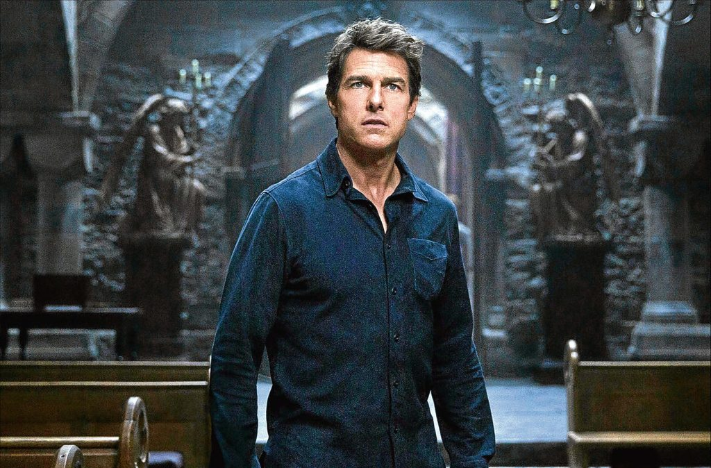 Tom Cruise Net Worth, Height, Age, Spouse(wife), Imdb, Children, Instagram, Wiki, Birthday, Twitter, Images(photos), Family, Biography, Awards, Youtube, Education, Website (10)