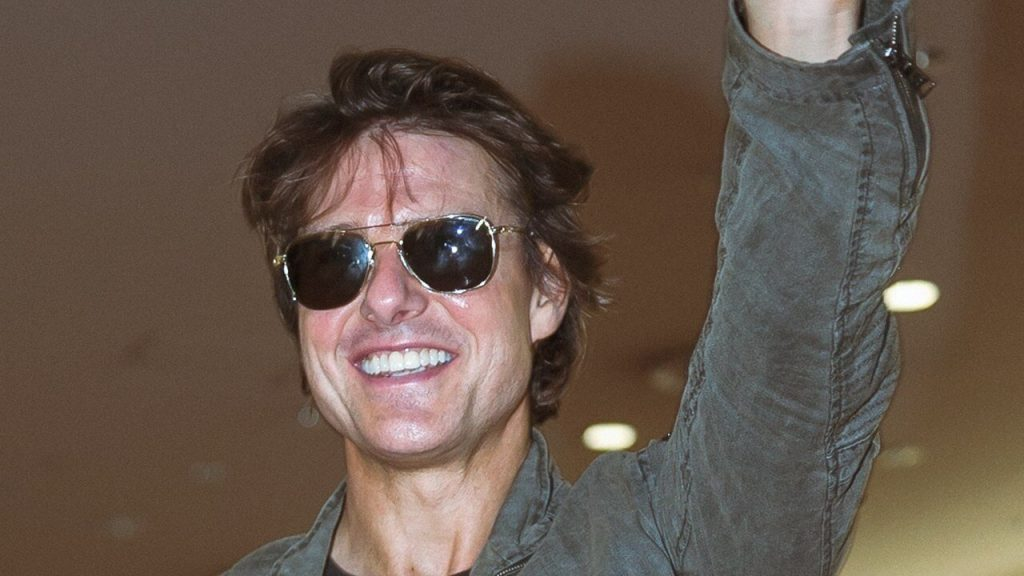 Tom Cruise Net Worth, Height, Age, Spouse(wife), Imdb, Children, Instagram, Wiki, Birthday, Twitter, Images(photos), Family, Biography, Awards, Youtube, Education, Website (28)