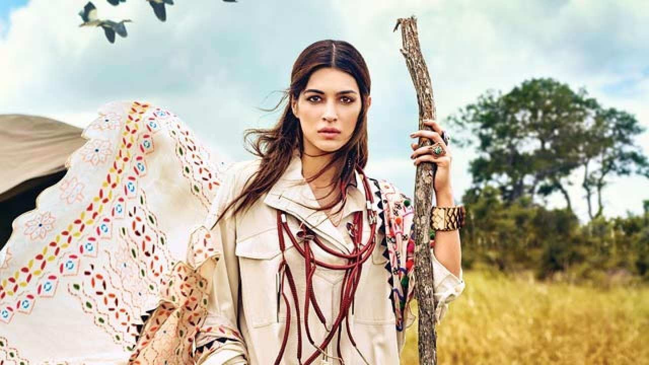 Kriti Sanon Age, Height, Photo (images), Height In Feet, Pic, Biography, Date Of Birth, Instagram, Education, Birthday, Family, Husband, On Twitter, Facebook, Net Worth, Wiki (12)