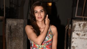 Kriti Sanon Age, Height, Photo (images), Height In Feet, Pic, Biography, Date Of Birth, Instagram, Education, Birthday, Family, Husband, On Twitter, Facebook, Net Worth, Wiki (15)