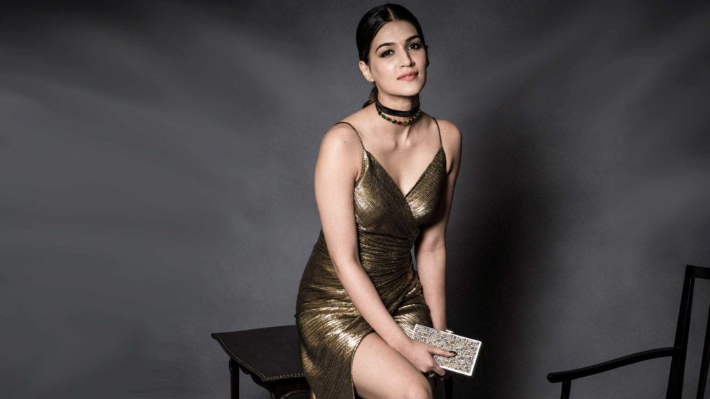 Kriti Sanon Age, Height, Photo (images), Height In Feet, Pic, Biography, Date Of Birth, Instagram, Education, Birthday, Family, Husband, On Twitter, Facebook, Net Worth, Wiki (23)