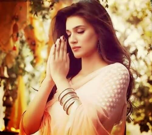 Kriti Sanon Age, Height, Photo (images), Height In Feet, Pic, Biography, Date Of Birth, Instagram, Education, Birthday, Family, Husband, On Twitter, Facebook, Net Worth, Wiki (27)