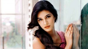 Kriti Sanon Age, Height, Photo (images), Height In Feet, Pic, Biography, Date Of Birth, Instagram, Education, Birthday, Family, Husband, On Twitter, Facebook, Net Worth, Wiki (29)