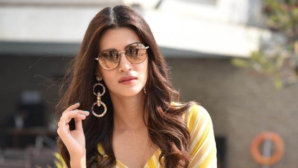 Kriti Sanon Age, Height, Photo (images), Height In Feet, Pic, Biography, Date Of Birth, Instagram, Education, Birthday, Family, Husband, On Twitter, Facebook, Net Worth, Wiki (32)
