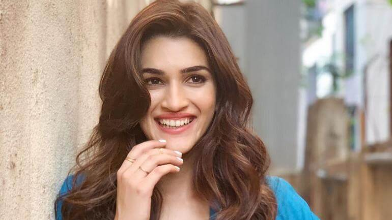 Kriti Sanon Age, Height, Photo (images), Height In Feet, Pic, Biography, Date Of Birth, Instagram, Education, Birthday, Family, Husband, On Twitter, Facebook, Net Worth, Wiki (4)