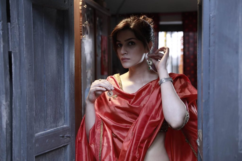 Kriti Sanon Age, Height, Photo (images), Height In Feet, Pic, Biography, Date Of Birth, Instagram, Education, Birthday, Family, Husband, On Twitter, Facebook, Net Worth, Wiki (46)