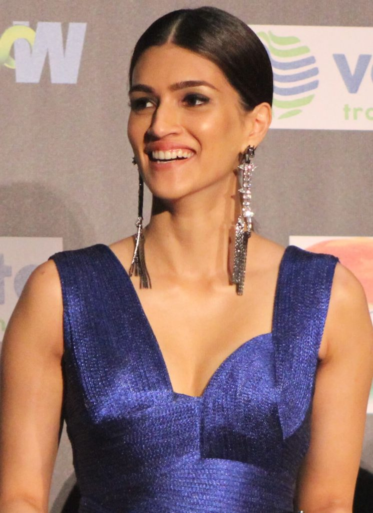 Kriti Sanon Age, Height, Photo (images), Height In Feet, Pic, Biography, Date Of Birth, Instagram, Education, Birthday, Family, Husband, On Twitter, Facebook, Net Worth, Wiki (47)