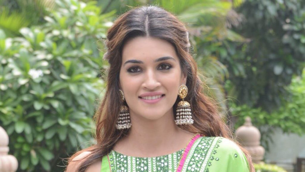 Kriti Sanon | kriti sanon age, height, photo (images), height in feet, pic, biography, date of birth, instagram, education, birthday, family, husband, on twitter, facebook, net worth, wiki