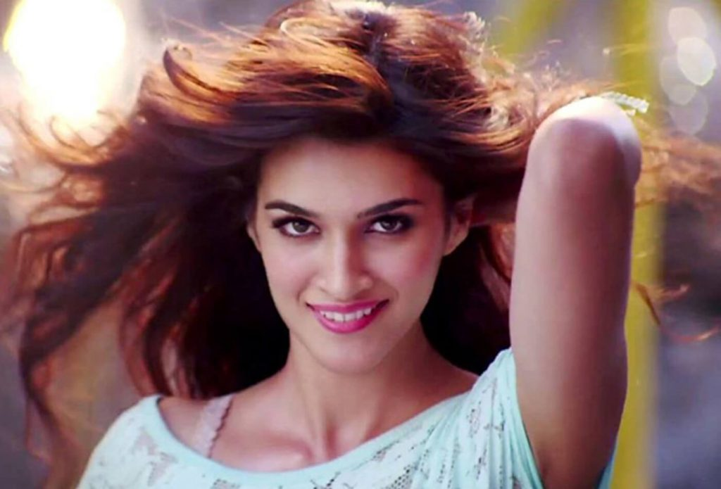 Kriti Sanon Age, Height, Photo (images), Height In Feet, Pic, Biography, Date Of Birth, Instagram, Education, Birthday, Family, Husband, On Twitter, Facebook, Net Worth, Wiki (50)