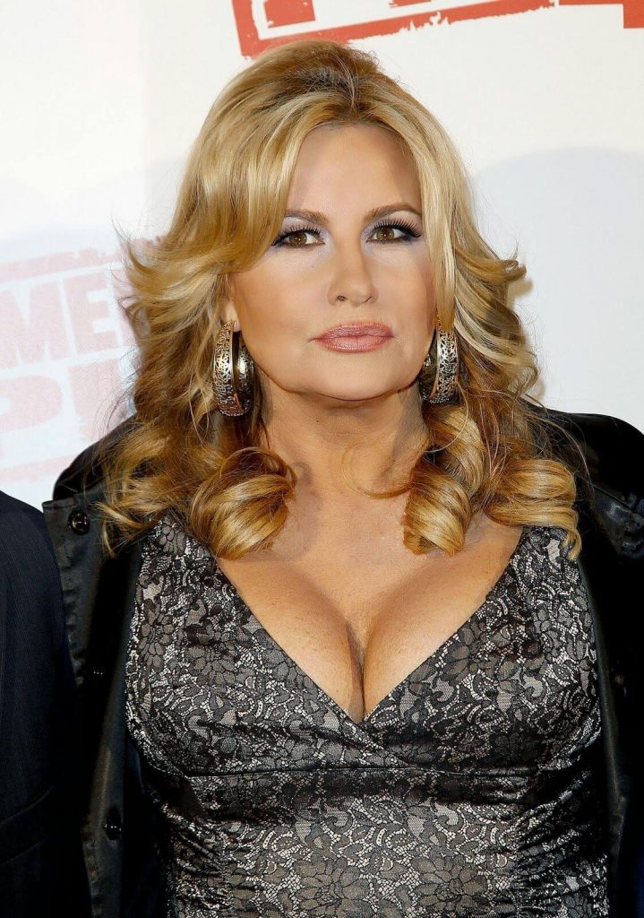 Jennifer Coolidge Net Worth, Husband, Age, Height, Date Of Birth, Biography, Photos(images), Family, Wiki, Instagram, Twitter, Facebook, Imdb, Youtube, Website (10)