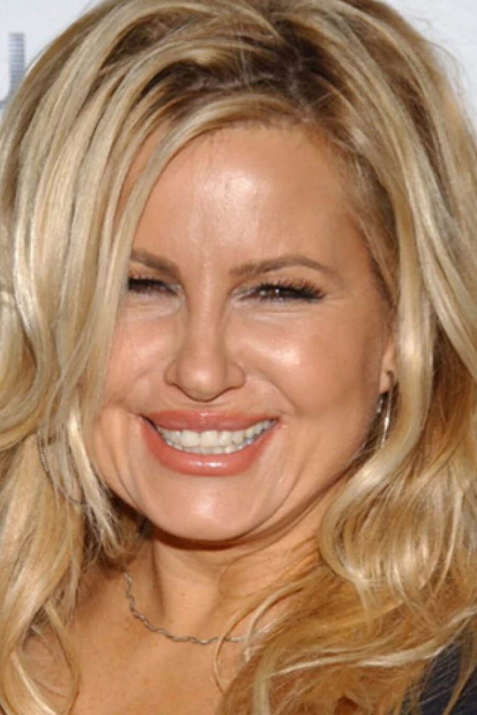 Jennifer Coolidge Net Worth, Husband, Age, Height, Date Of Birth, Biography, Photos(images), Family, Wiki, Instagram, Twitter, Facebook, Imdb, Youtube, Website (2)