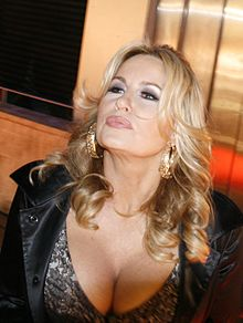 Jennifer Coolidge Net Worth, Husband, Age, Height, Date Of Birth, Biography, Photos(images), Family, Wiki, Instagram, Twitter, Facebook, Imdb, Youtube, Website (4)