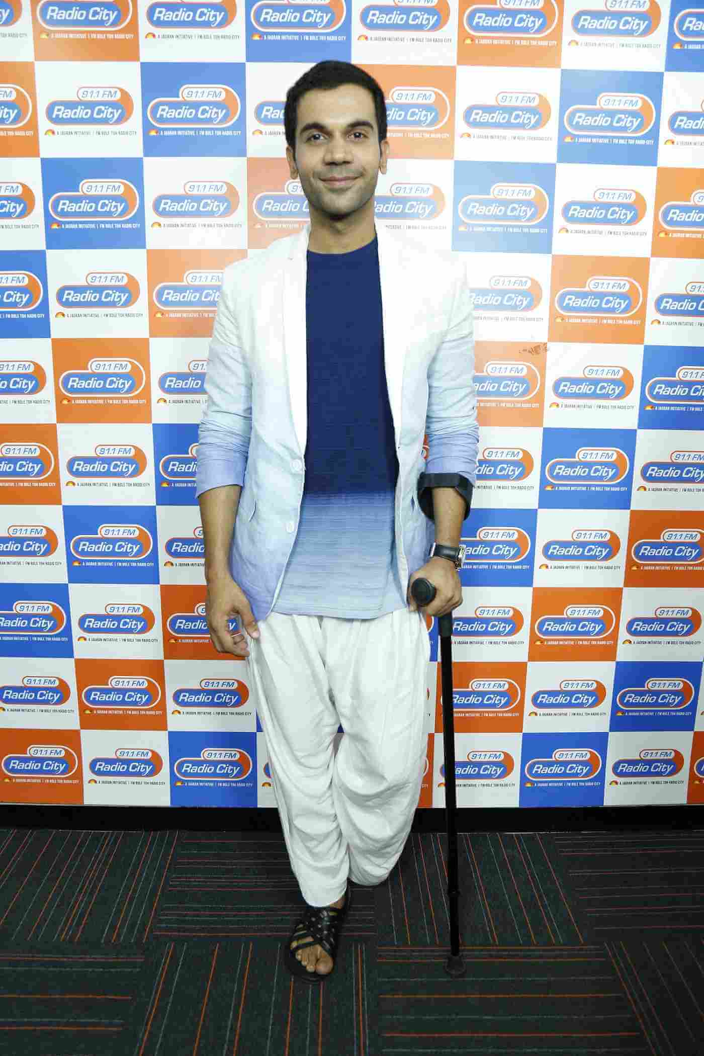 Rajkummar Rao Date Of Birth, Biography, Height, Wife, Net Worth, Age, Education, Awards, Father, Images(photos), Wiki, Twitter, Facebook, Instagram, Imdb (1)