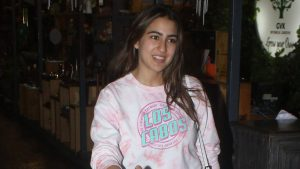 Sara Ali Khan Education, Birthday, Family, Boyfriend, Biography, Old Pictures, Weight Loss, Father, Age, Mother, Height, Image, Photo, Pic, Before, Instagram, Wiki (23)