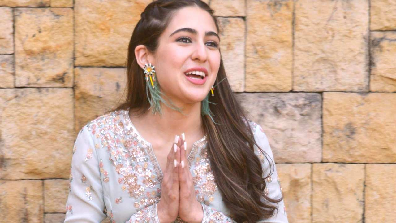 Sara Ali Khan Education, Birthday, Family, Boyfriend, Biography, Old Pictures, Weight Loss, Father, Age, Mother, Height, Image, Photo, Pic, Before, Instagram, Wiki (27)