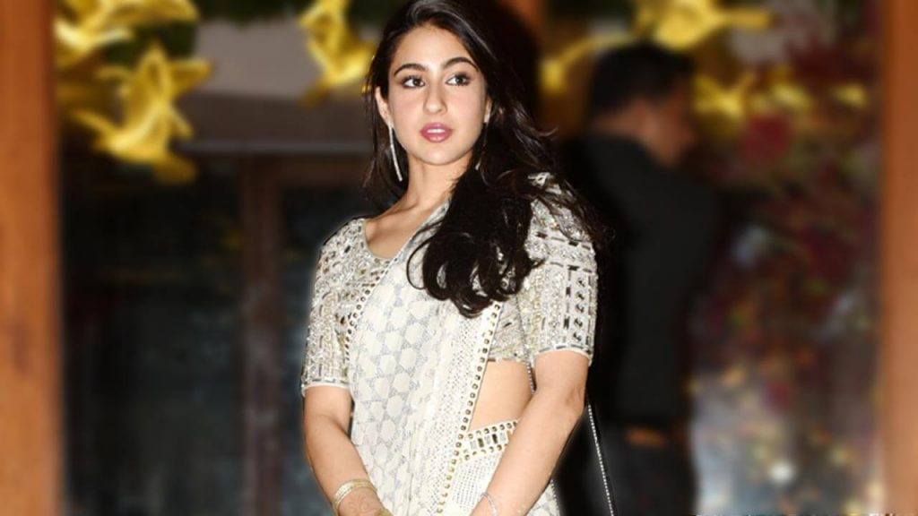 Sara Ali Khan Education, Birthday, Family, Boyfriend, Biography, Old Pictures, Weight Loss, Father, Age, Mother, Height, Image, Photo, Pic, Before, Instagram, Wiki (28)