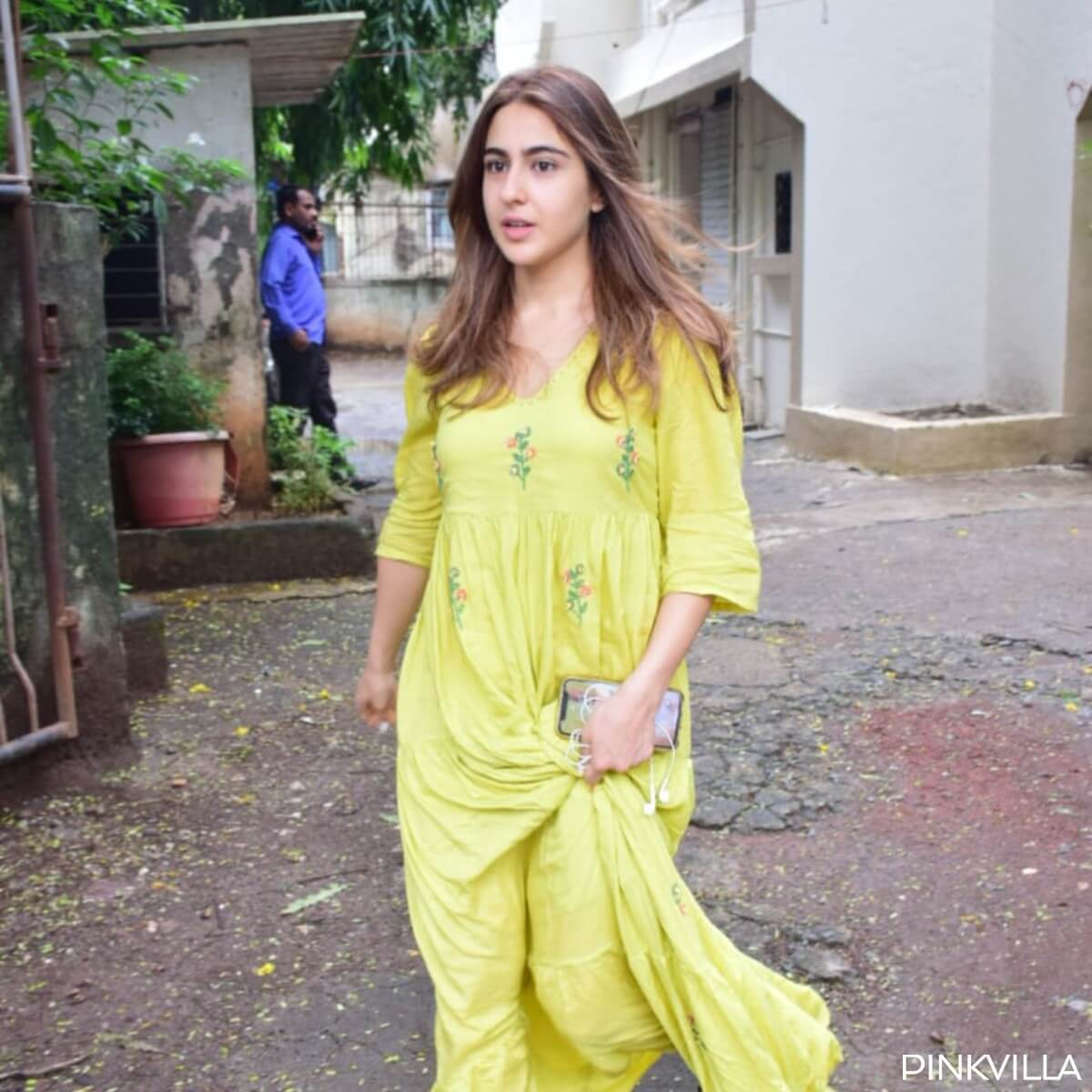 Sara Ali Khan Education, Birthday, Family, Boyfriend, Biography, Old Pictures, Weight Loss, Father, Age, Mother, Height, Image, Photo, Pic, Before, Instagram, Wiki (7)