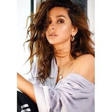 Shibani Dandekar Date Of Birth, Net Worth, Husband, Height, Images(photos), Details, Age, Biography, Birthplace, Wiki, Instagram, Facebook, Twitter, Imdb, Website (13)