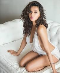 Shibani Dandekar Date Of Birth, Net Worth, Husband, Height, Images(photos), Details, Age, Biography, Birthplace, Wiki, Instagram, Facebook, Twitter, Imdb, Website (23)
