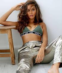 Shibani Dandekar Date Of Birth, Net Worth, Husband, Height, Images(photos), Details, Age, Biography, Birthplace, Wiki, Instagram, Facebook, Twitter, Imdb, Website (28)