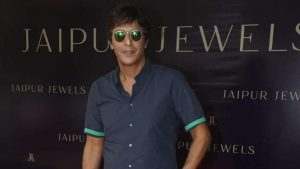 Chunky Pandey Age, Son, Daughter, Net Worth, Family, Kids, Biography, Date Of Birth, Image(photo), Wife, Brother, Address, Height, Wiki, Twitter, Imdb, Facebook, Education, Instagram (17)