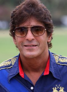 Chunky Pandey Age, Son, Daughter, Net Worth, Family, Kids, Biography, Date Of Birth, Image(photo), Wife, Brother, Address, Height, Wiki, Twitter, Imdb, Facebook, Education, Instagram (19)