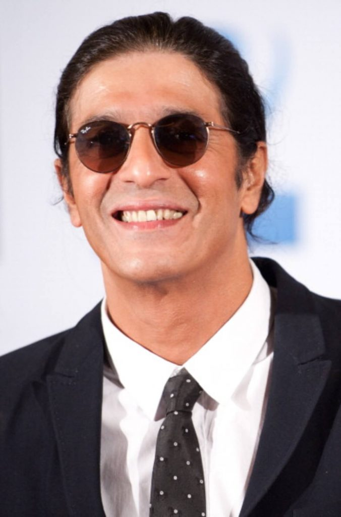 Chunky Pandey Age, Son, Daughter, Net Worth, Family, Kids, Biography, Date Of Birth, Image(photo), Wife, Brother, Address, Height, Wiki, Twitter, Imdb, Facebook, Education, Instagram (27)