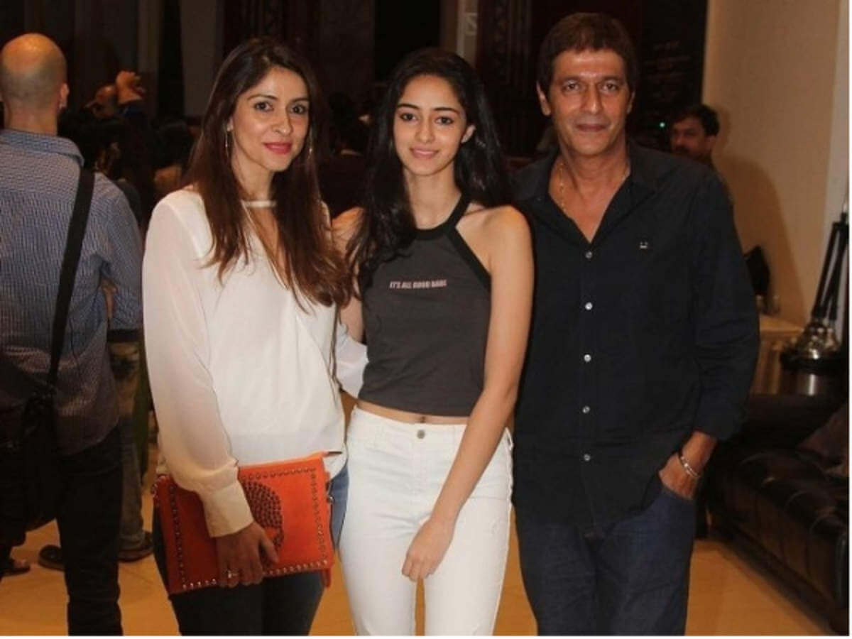 Chunky Pandey Age, Son, Daughter, Net Worth, Family, Kids, Biography, Date Of Birth, Image(photo), Wife, Brother, Address, Height, Wiki, Twitter, Imdb, Facebook, Education, Instagram (29)