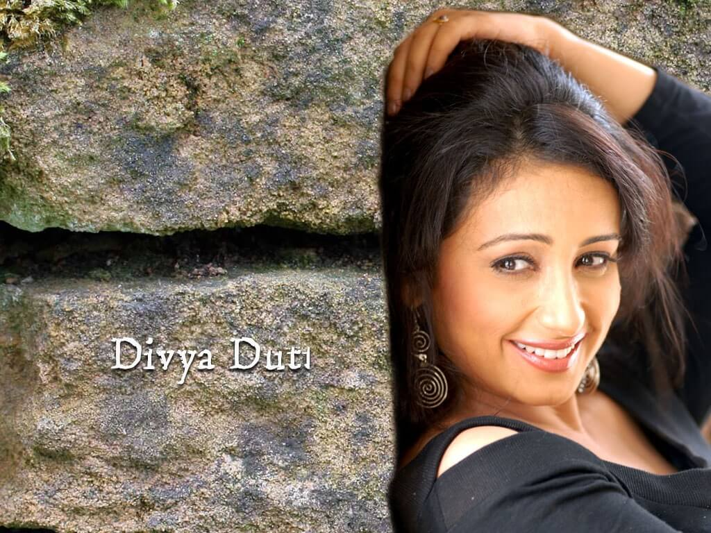 Divya Dutta Age, Height, Photos, Date Of Birth, Daughter, Net Worth, Biography, Husband, Instagram, Wiki, Facebook, Twitter, Imdb, Youtube, Website, Awards (15)