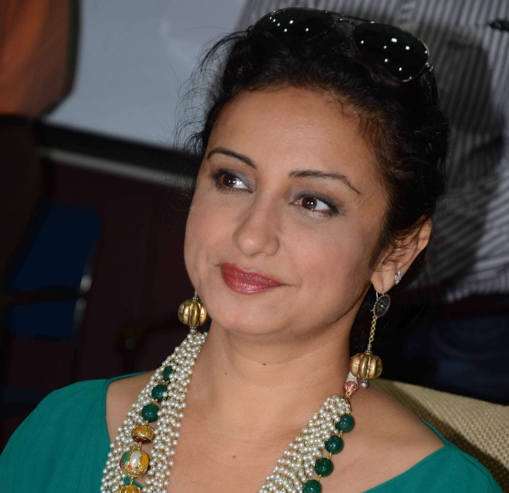 Divya Dutta Age, Height, Photos, Date Of Birth, Daughter, Net Worth, Biography, Husband, Instagram, Wiki, Facebook, Twitter, Imdb, Youtube, Website, Awards (19)