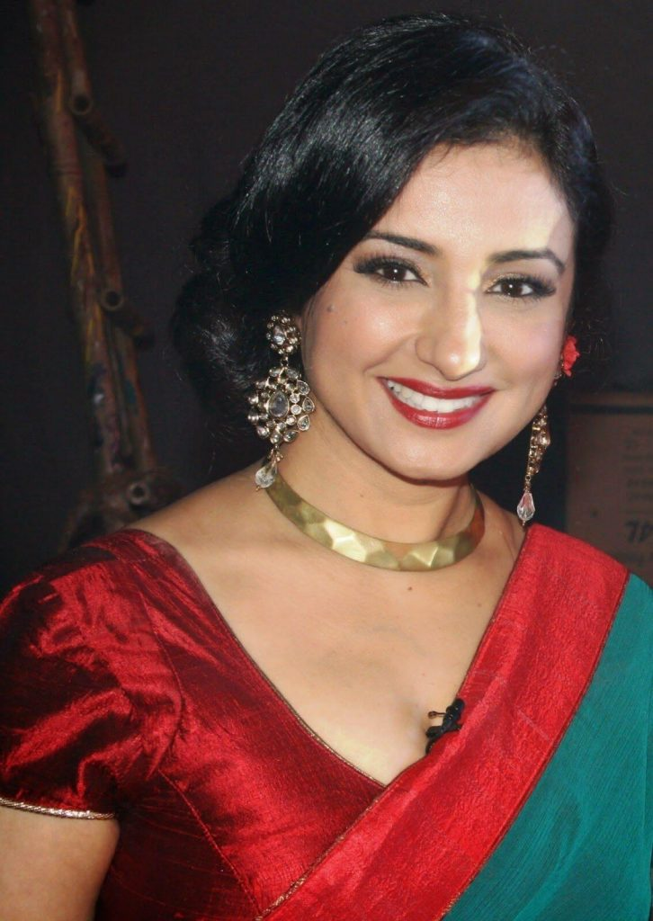 Divya Dutta Age, Height, Photos, Date Of Birth, Daughter, Net Worth, Biography, Husband, Instagram, Wiki, Facebook, Twitter, Imdb, Youtube, Website, Awards (20)
