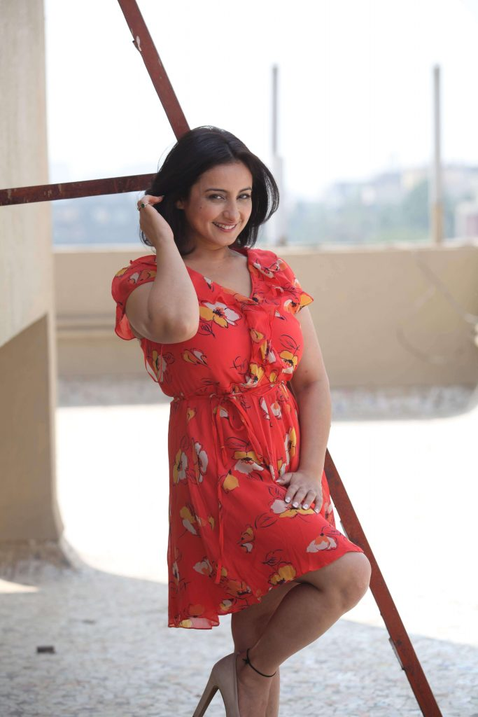 Divya Dutta Age, Height, Photos, Date Of Birth, Daughter, Net Worth, Biography, Husband, Instagram, Wiki, Facebook, Twitter, Imdb, Youtube, Website, Awards (23)