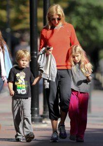 Gwyneth Paltrow Kids, Husband, Wedding, Net Worth, Age, Mom, Height, Daughter, Birthday, Photos, Goop, Instagram, Imdb, Website, Awards, Youtube, Biography, Twitter, Wiki, Facebook, Linkedin (