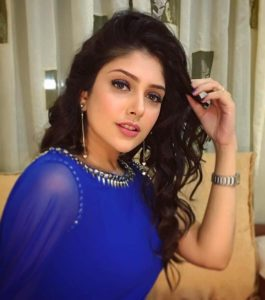 Ishita Chauhan Age, Family, Photos(images), Biography, Parents, Education, Birthday,net Worth, Height, Boyfriend, Instagram, Wiki, Twitter, Facebook, Imdb (21)