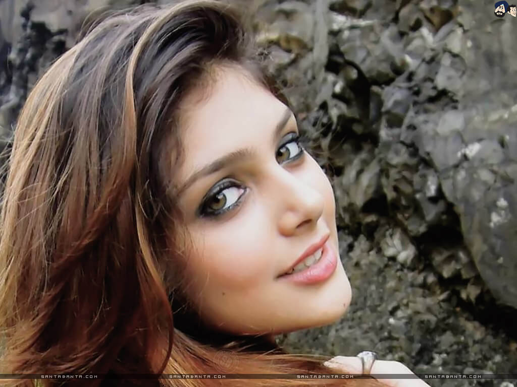 Ishita Chauhan Age, Family, Photos(images), Biography, Parents, Education, Birthday,net Worth, Height, Boyfriend, Instagram, Wiki, Twitter, Facebook, Imdb (33)