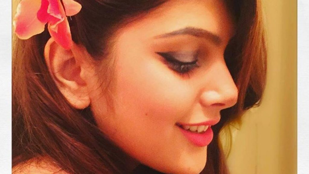 Ishita Chauhan Age, Family, Photos(images), Biography, Parents, Education, Birthday,net Worth, Height, Boyfriend, Instagram, Wiki, Twitter, Facebook, Imdb (43)