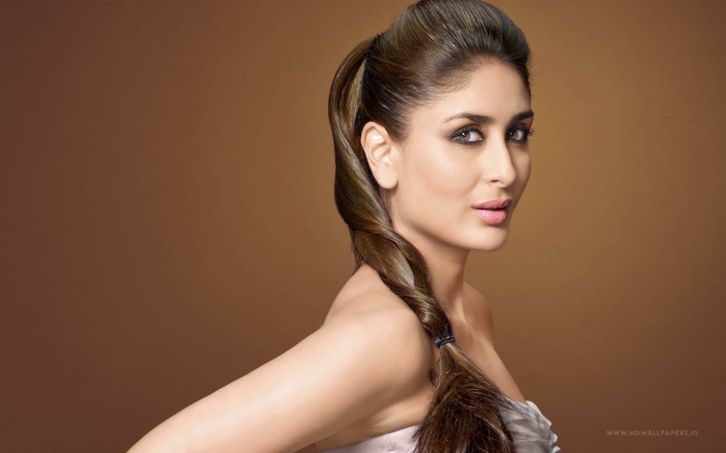 Kareena Kapoor Khan Age Kareena Kapoor Birthday Date, Images, Photos, Son, Birthdate, Height, Picture In Saree, Net Worth, Husband, Family, Instagram (10)