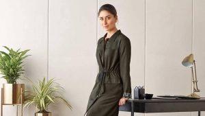 Kareena Kapoor Khan Age Kareena Kapoor Birthday Date, Images, Photos, Son, Birthdate, Height, Picture In Saree, Net Worth, Husband, Family, Instagram (14)