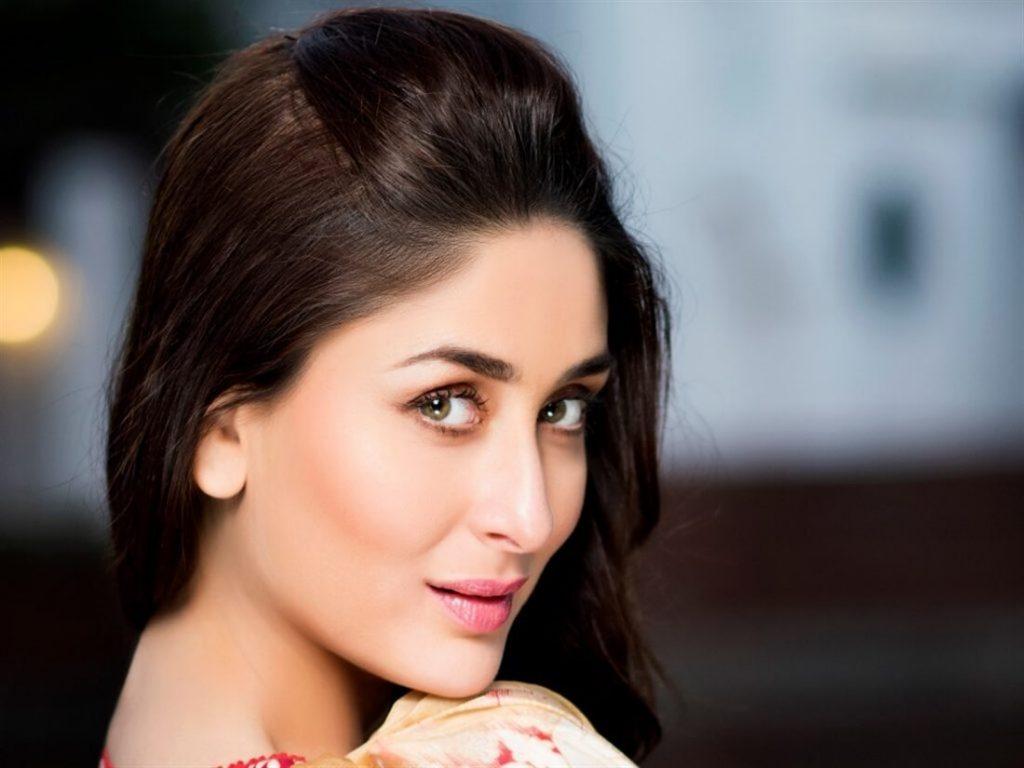 Kareena Kapoor Khan Age Kareena Kapoor Birthday Date, Images, Photos, Son, Birthdate, Height, Picture In Saree, Net Worth, Husband, Family, Instagram (15)