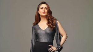 Kareena Kapoor Khan Age Kareena Kapoor Birthday Date, Images, Photos, Son, Birthdate, Height, Picture In Saree, Net Worth, Husband, Family, Instagram (17)