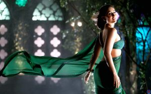 Kareena Kapoor Khan Age Kareena Kapoor Birthday Date, Images, Photos, Son, Birthdate, Height, Picture In Saree, Net Worth, Husband, Family, Instagram (25)