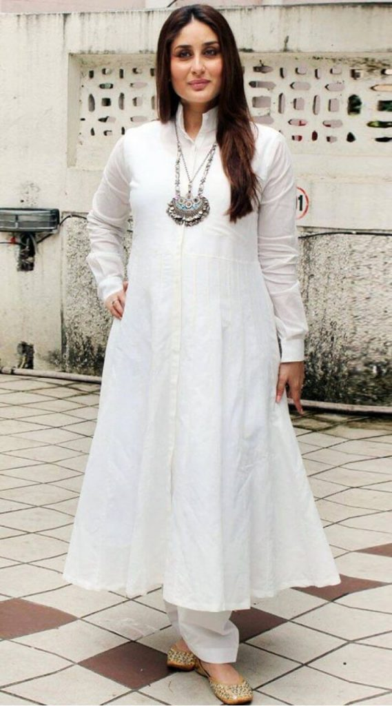 Kareena Kapoor Khan Age Kareena Kapoor Birthday Date, Images, Photos, Son, Birthdate, Height, Picture In Saree, Net Worth, Husband, Family, Instagram (32)
