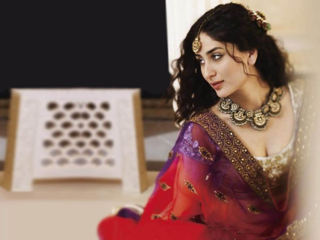 Kareena Kapoor Khan Age Kareena Kapoor Birthday Date, Images, Photos, Son, Birthdate, Height, Picture In Saree, Net Worth, Husband, Family, Instagram (39)