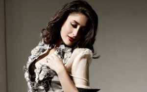Kareena Kapoor Khan Age Kareena Kapoor Birthday Date, Images, Photos, Son, Birthdate, Height, Picture In Saree, Net Worth, Husband, Family, Instagram (4)